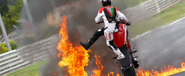 Asegura tu moto contra incendio.