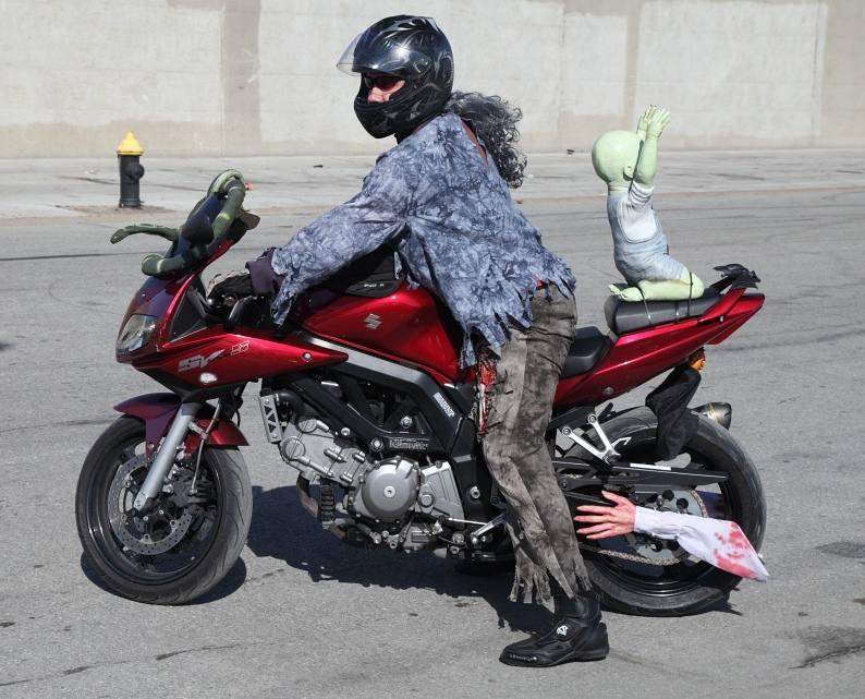 moto walking dead halloween