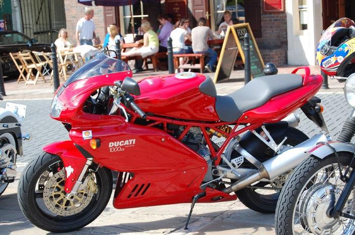 Moto más de 125cc