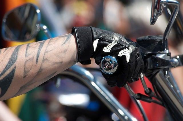 Mano de gas - Sindrome del túnel carpiano - lesiones en moto