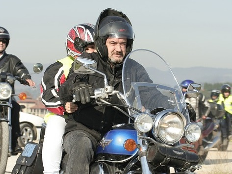 Multa por viajar con el casco modular abierto