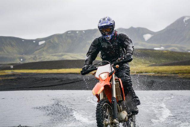 chaqueta obligatoria para pilotar en moto